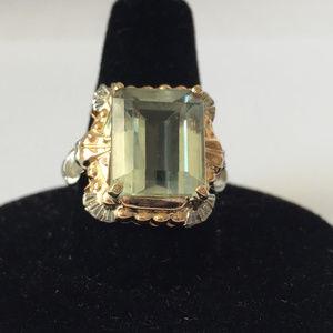 Art Deco 14 kt 2 tone gold natural aquamarin ring.